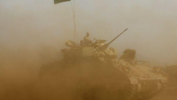 Soldados saudíes cerca de la frontera con Yemen - Sputnik Mundo