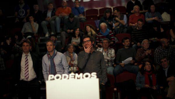 Miembros de Podemos durante los elecciones en Andalucía - Sputnik Mundo