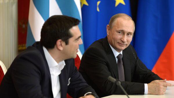Primer ministro de Grecia, Alexis Tsipras y presidente de Rusia, Vladímir Putin  (archivo) - Sputnik Mundo