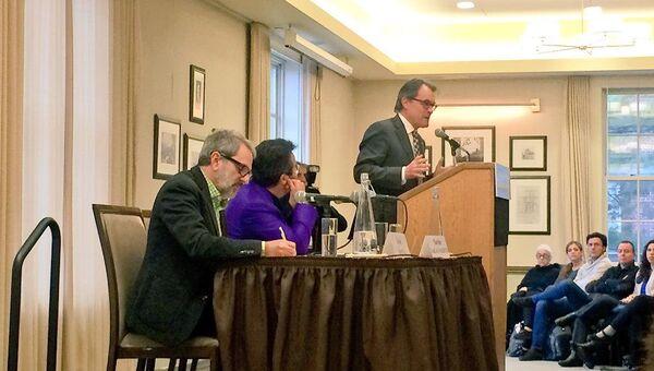 Президент Каталонии Артур Мас выступает в Колумбийском университете, Нью-Йорк - Sputnik Mundo