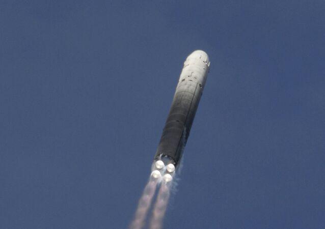 Misil ICBM pesado UR-100N