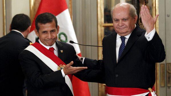 Presidente de Perú, Ollanta Humala con nuevo primer ministro, Pedro Cateriano - Sputnik Mundo