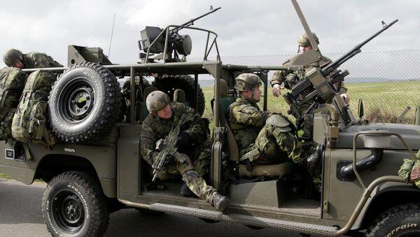La OTAN completa la primera fase de ejercicios de las fuerzas de reacción rápida - Sputnik Mundo