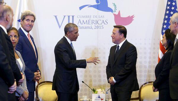 Presidente de EEUU, Barack Obama, y presidente de Panamá, Juan Carlos Varela, durante una rueda de prensa en el marco de la Cumbre de las Américas. 10 de abril de 2015 - Sputnik Mundo
