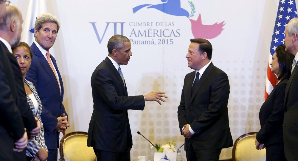 Presidente de EEUU, Barack Obama, y presidente de Panamá, Juan Carlos Varela, durante una rueda de prensa en el marco de la Cumbre de las Américas. 10 de abril de 2015