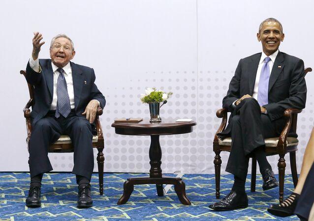 Raúl Castro, presidente de Cuba, y Barack Obama, presidente de EEUU