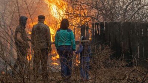 Пожар на окраине города Абакана - Sputnik Mundo