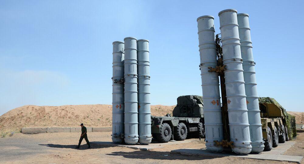 Sistemas de misiles antiaéreos S-300 (Archivo)