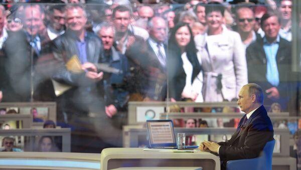 Línea directa con Vladímir Putin, 2014 - Sputnik Mundo