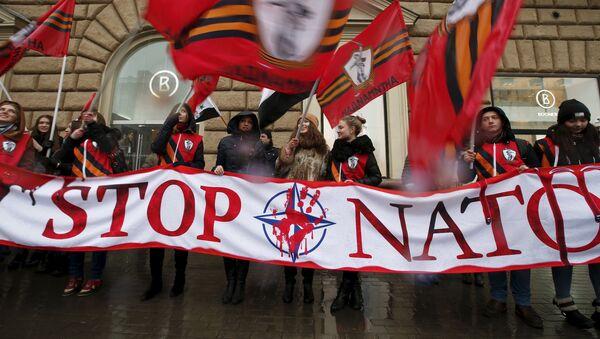 Las acciones de la OTAN amenazan a Rusia, asegura el jefe del Estado Mayor - Sputnik Mundo