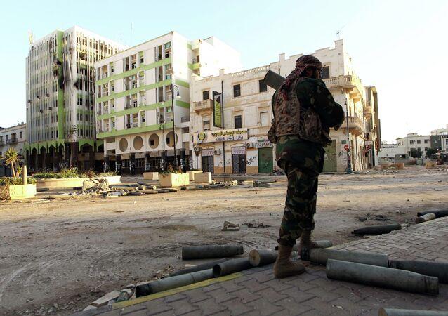 Un soldado libio en Bengasi