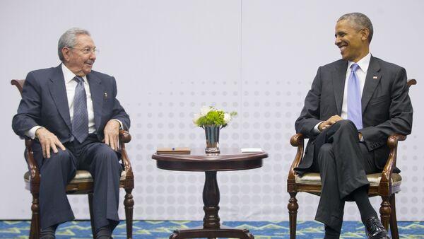 Presidente de Cuba, Raúl Castro, y presidente de EEUU, Barack Obama - Sputnik Mundo