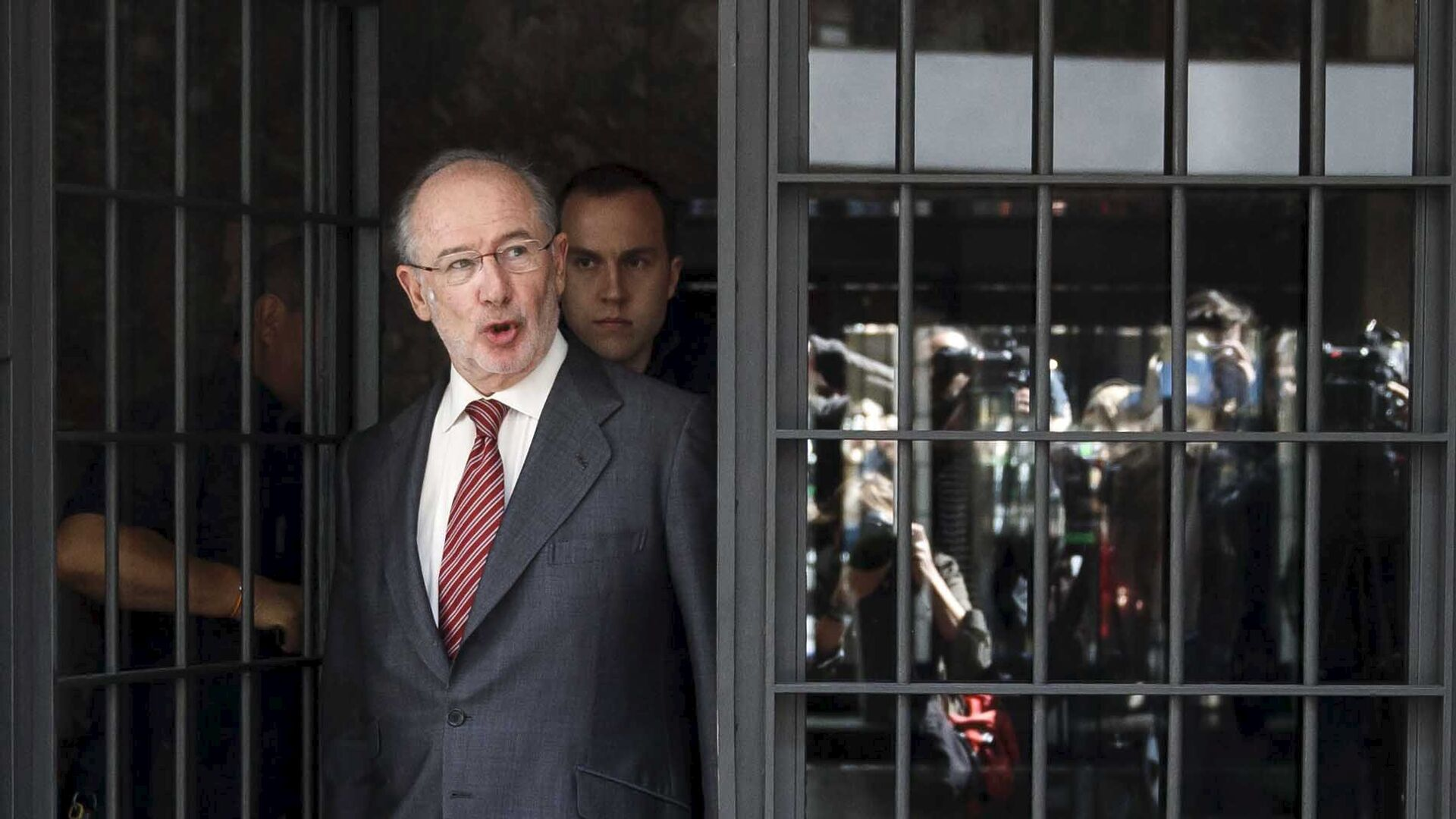 Former International Monetary Fund chief Rodrigo Rato steps out of his home in Madrid April 17, 2015.  - Sputnik Mundo, 1920, 23.03.2021