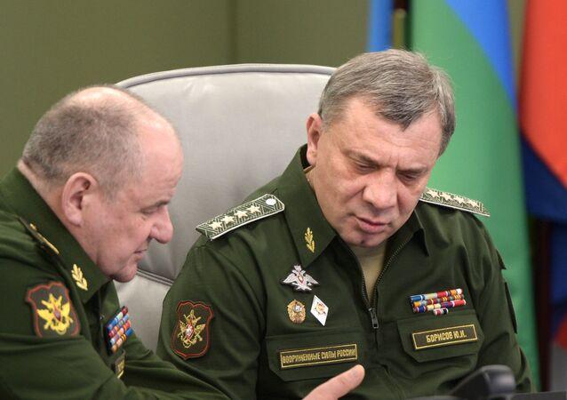 Yuri Borísov, viceministro de Defensa de Rusia (dcha.)