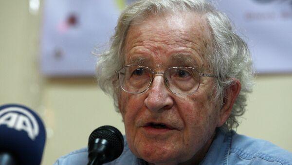 Noam Chomsky, el filósofo estadounidense - Sputnik Mundo