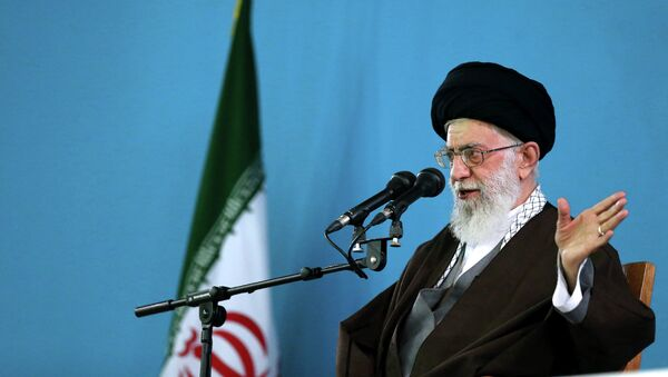 Ayatolá Alí Jameneí, líder supremo de Irán - Sputnik Mundo