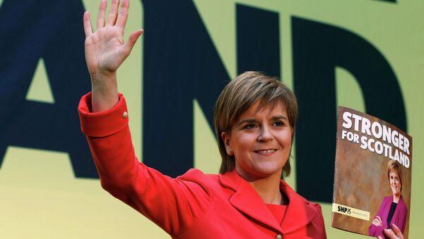 Nicola Sturgeon, líder del Partido Nacionalista Escocés - Sputnik Mundo