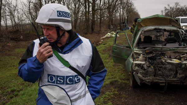 Observador de la OSCE en Donbás (Archivo) - Sputnik Mundo