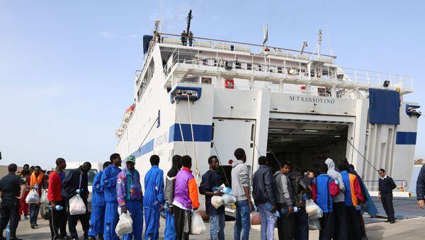 Naufragio del ferry en el Mediterráneo - Sputnik Mundo