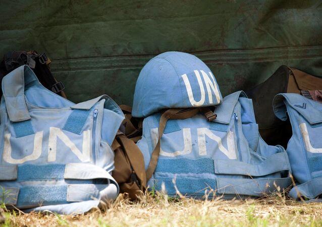 Cascos y chalecos antibalas de los miembros de ONU