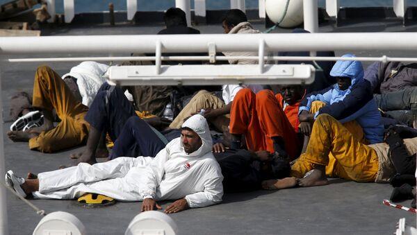 Los sobrevivientes del naufragio en el Mediterráneo - Sputnik Mundo