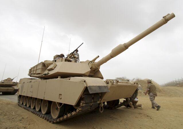 Militares saudíes cerca de la frontera con Yemen