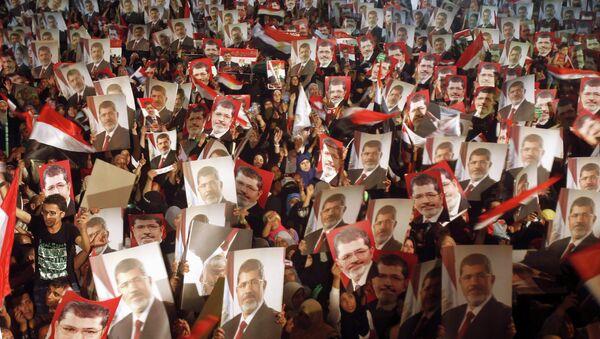 Sentencias a los Hermanos Musulmanes y a Mursi podrían ser suavizadas, dice periodista - Sputnik Mundo