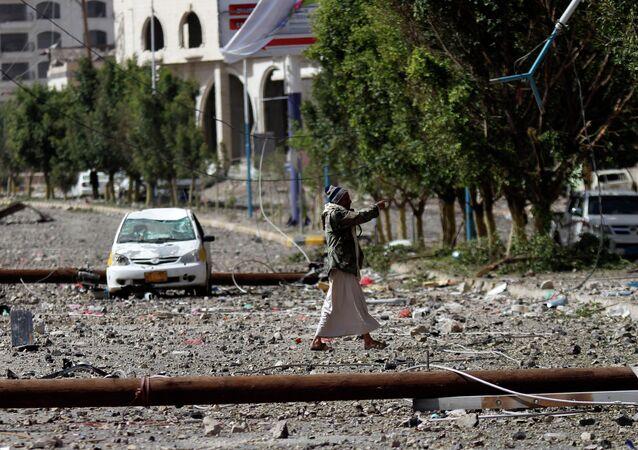 Capital yemení, Saná, tras uno de los bombardeos. 20 de abril de 2015