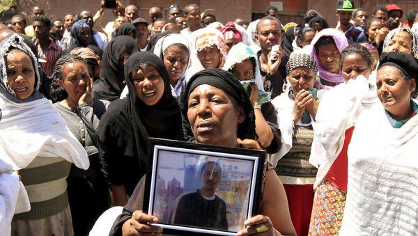 Manifestación en Etiopía contra las ejecuciones de cristianos etíopes por el grupo yihadista Estado Islámico (EI) en Libia - Sputnik Mundo