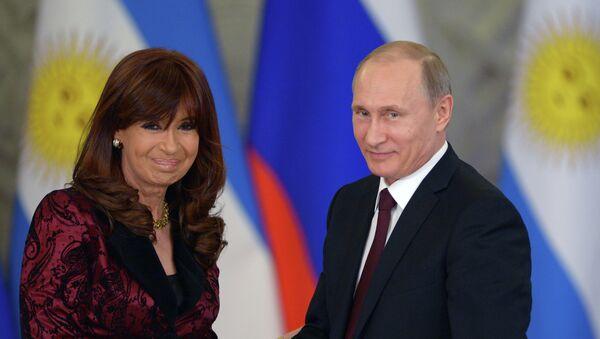 Presidenta de Argentina, Cristina Fernández de Kirchner y presidente de Rusia, Vladímir Putin - Sputnik Mundo