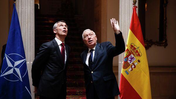 Ministro de Exteriores de España, Jose Manuel Garcia Margallo y secretario general de la OTAN, Jens Stoltenberg - Sputnik Mundo