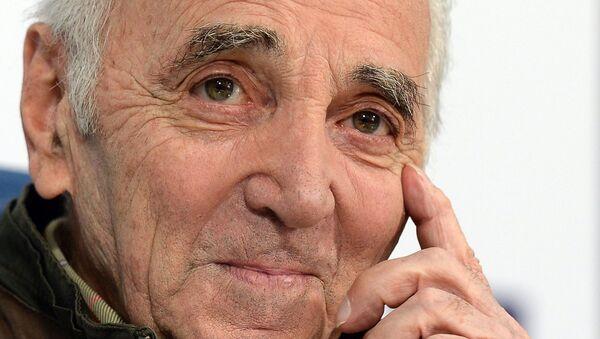 Charles Aznavour - Sputnik Mundo