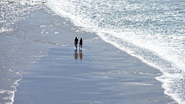 Playa nudista - Sputnik Mundo