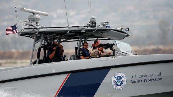 The newest United States Custom and Border Protection agency speedboat - Sputnik Mundo