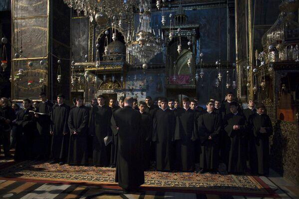 Velas en memoria de las víctimas del genocidio armenio - Sputnik Mundo