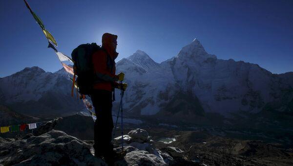Dieciocho montañeros murieron en el Everest por un alud tras el terremoto en Nepal - Sputnik Mundo