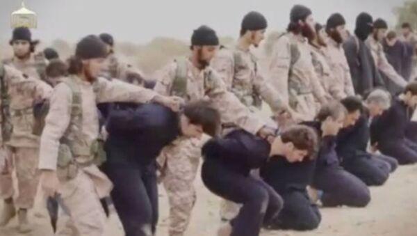 Militantes del grupo yihadista Estado Islámico (EI) en Siria - Sputnik Mundo