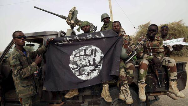 Militares liberan a casi 300 personas retenidas por Boko Haram en Nigeria - Sputnik Mundo