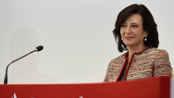 Ana Botín, presidenta del Santander - Sputnik Mundo