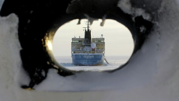 Oil tanker Valetta as it approaches Cape Kamenny in the Gulf of Ob shore line in the south-east of a peninsular in the Yamalo-Nenets Autonomous District - Sputnik Mundo
