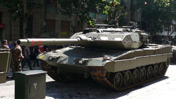 Танк Leopard 2E - Sputnik Mundo