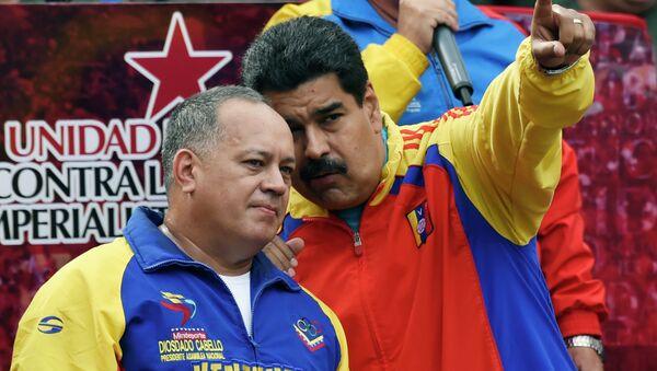 Presidente de la Asamblea Nacional de Venezuela, Diosdado Cabello (izda.) y presidente de Venezuela, Nicolás Maduro - Sputnik Mundo