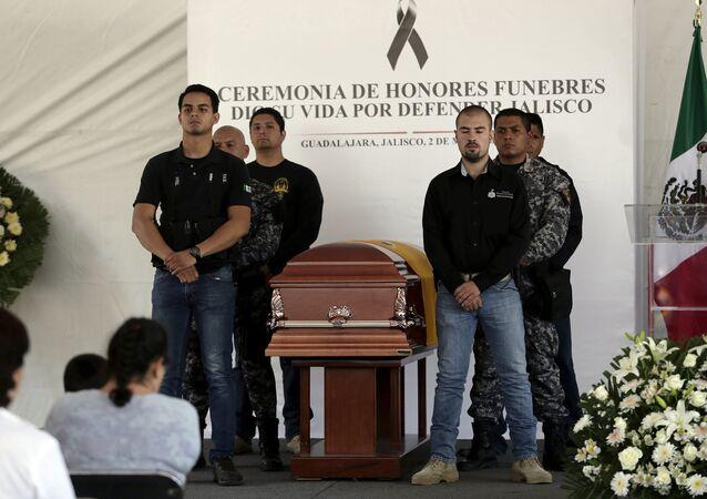Se eleva a 15 muertos balance de ola de violencia en Jalisco, centro de México