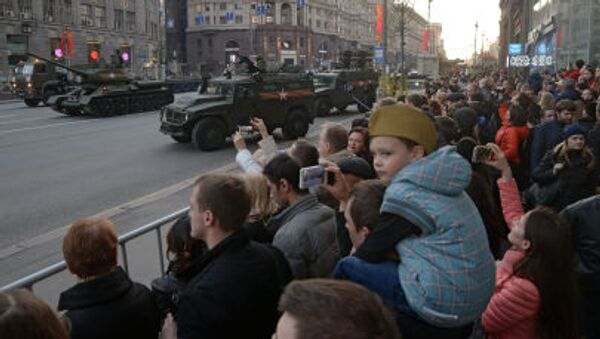 Ensayo del desfile militar del 9 de mayo en Moscú - Sputnik Mundo