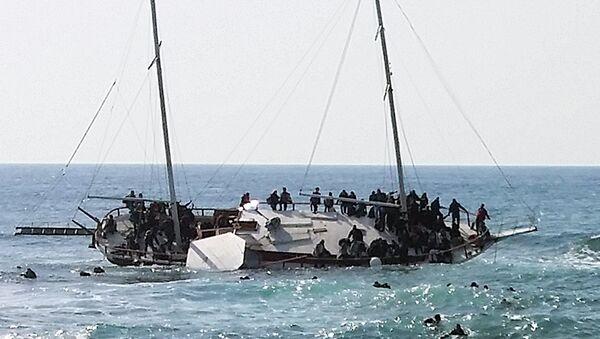 Según la Organización Internacional para las Migraciones, en los últimos 15 años en el mar Mediterráneo fallecieron más de 22.000 personas que trataron alcanzar las costas europeas - Sputnik Mundo