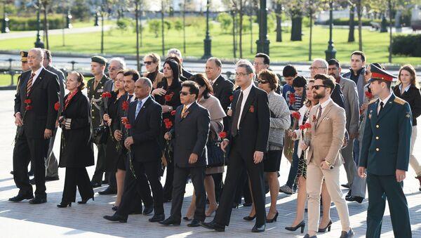 Embajadores latinoamericanos rinden homenaje al Soldado Desconocido en Moscú - Sputnik Mundo