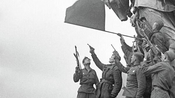 Vicepresidente de Uruguay destaca el rol del pueblo soviético en la derrota del nazismo - Sputnik Mundo