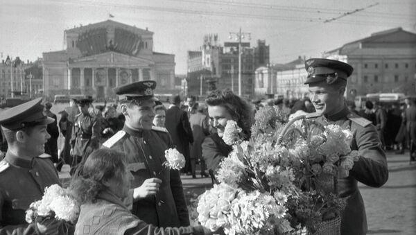 Moscú y sus habitantes el 9 de mayo de 1945 - Sputnik Mundo