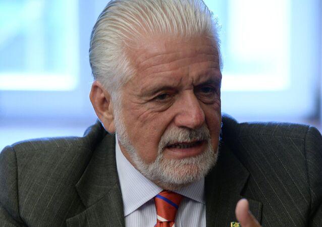 Jaques Wagner, ministro de Defensa de Brasil