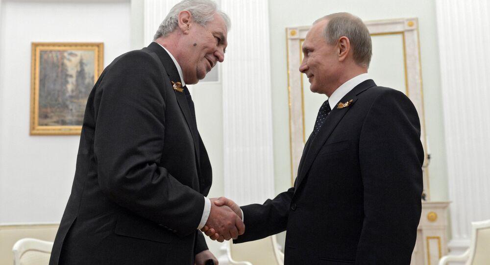 Presidente de la República Checa, Milos Zeman y presidente de Rusia, Vladímir Putin (archivo)